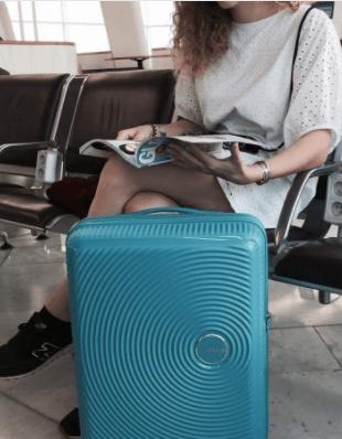 מזוודה קשיחה קלה American Tourister Soundbox 116