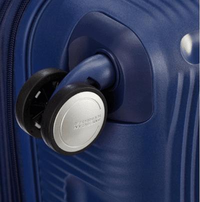 מזוודה קשיחה קלה American Tourister Soundbox 104