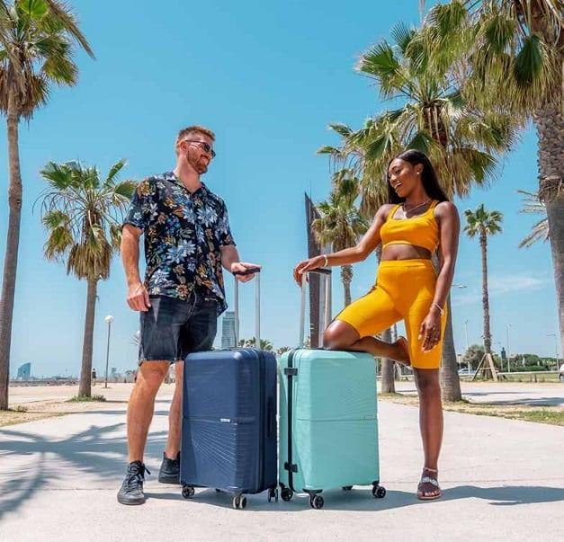 מזוודה קשיחה American Tourister Airconic 433