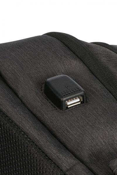 """תיק גב למחשב 15.6"""" American Tourister Urban Groove USB 10"""